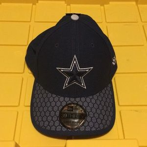 67f2b6d05b7 Dallas Cowboys 39Thirty L XL Fitted Hat